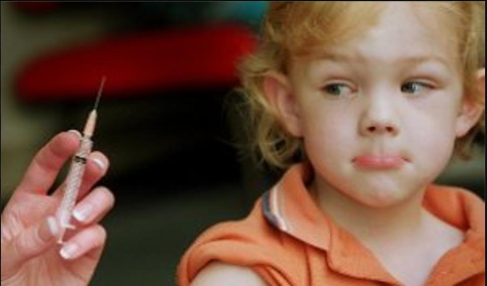 Infermiera fingeva vaccini, 7 mila bambini dovranno rifare le iniezioni