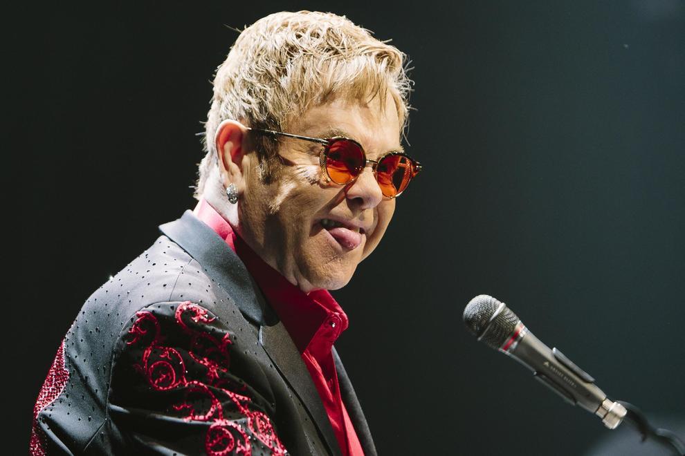 Paura per Elton John: ha rischiato di morire