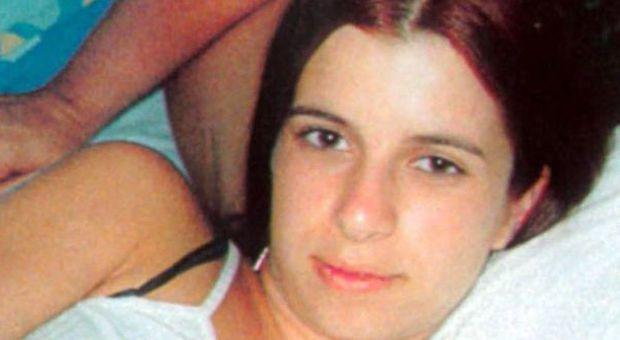 Incinta di nove mesi, uccisa e sepolta viva, permesso premio al mostro