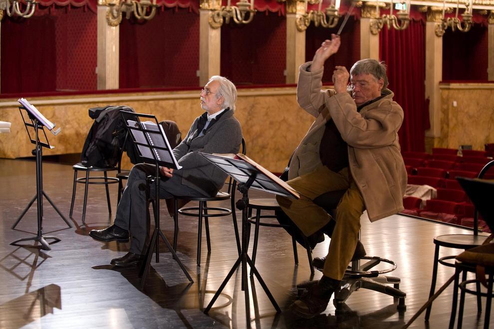Malore improvviso all'Accademia Carrara, morto il direttore d'orchestra Jeffrey Tate