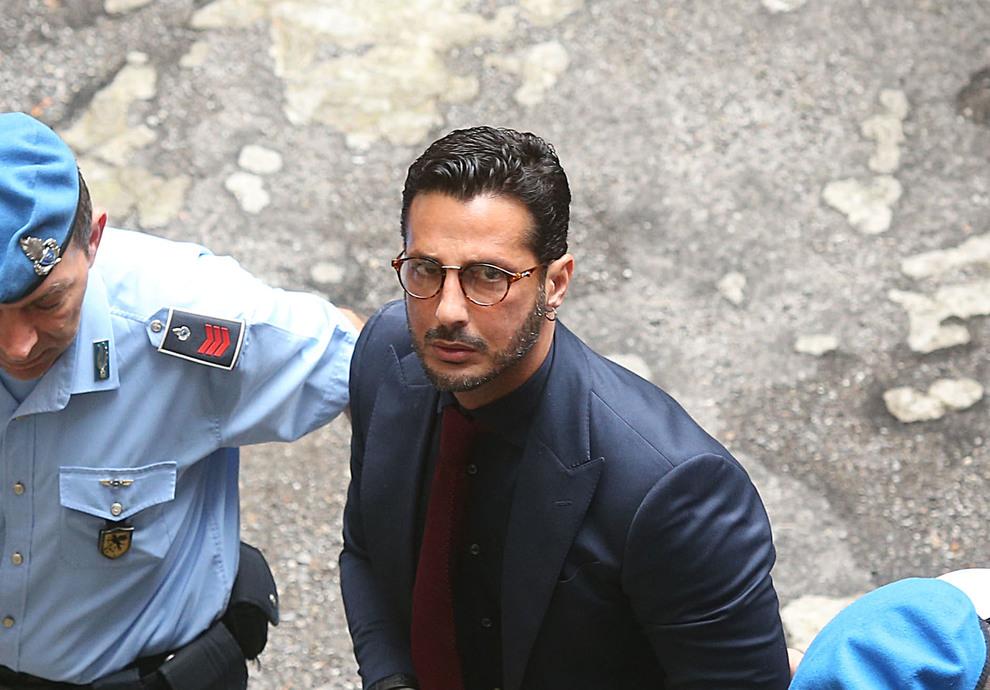 Fabrizio Corona urla contro i giudici:
