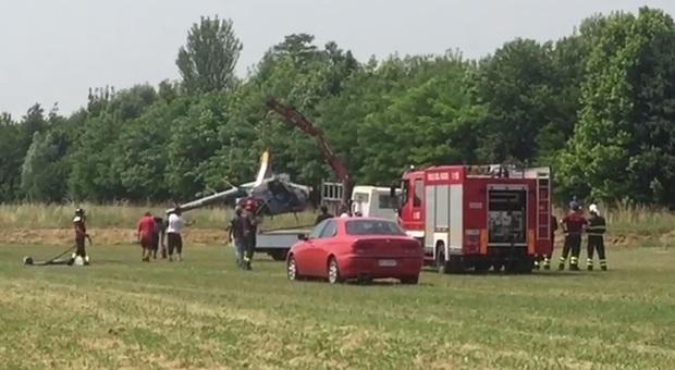 Elicottero si schianta al suolo a Santa Maria di Sala