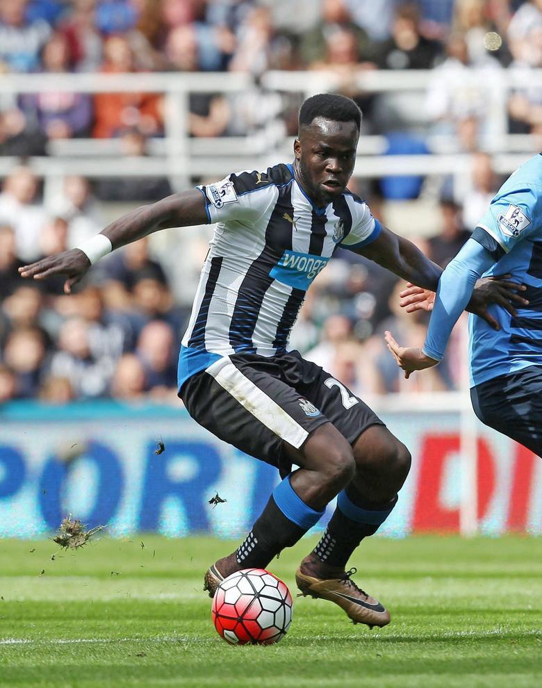 Lutto nel mondo del calcio: è morto Tioté, ex centrocampista del Newcastle
