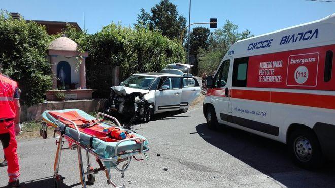FOTO Schianto a Borgo Grappa, morta una ragazza di 25 anni