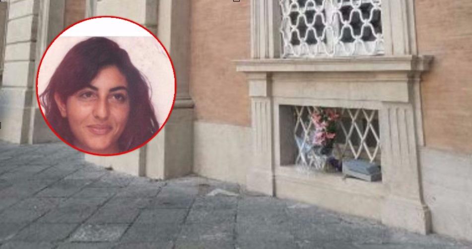 Suicidio nel palazzo reale: donna si lancia dalla finestra