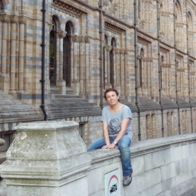 Londra, cameriera italiana licenziata