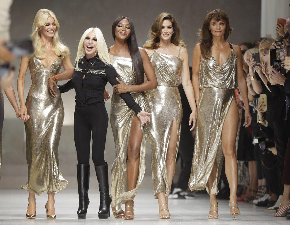 Carla, Claudia, Cindy, Helena e Naomi: cinque super top model per Versace