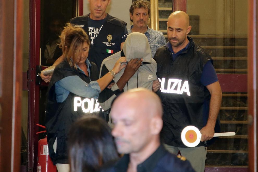 Stupri Rimini, il giudice convalida arresto Butungu