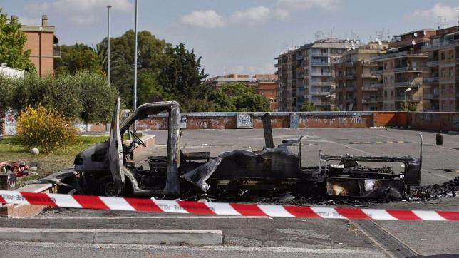 Roma, sorelle morte in incendio camper a Centocelle. Due arresti