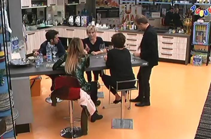 Belen Rodriguez contro Giulia De Lellis, polemica a colpi di like
