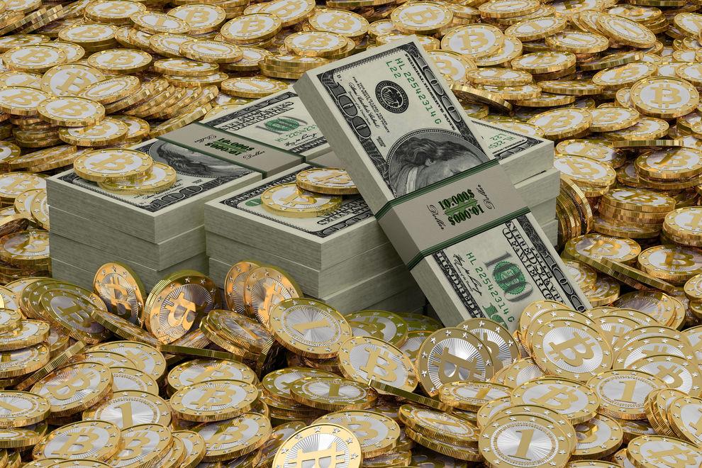 Bitcoin inarrestabile, sfonda i 10mila dollari