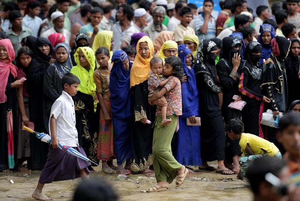 Almeno 6.700 Rohingya uccisi in un mese di violenze