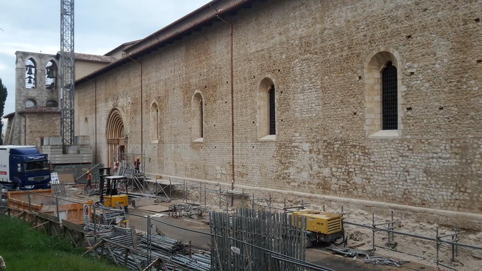 Dopo 8 anni e mezzo restaurata la Basilica di Collemaggio