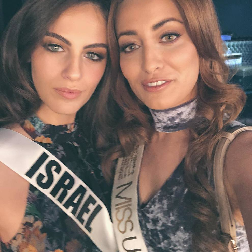 Miss Iraq e Miss Israele scattano un selfie, è bufera sui social