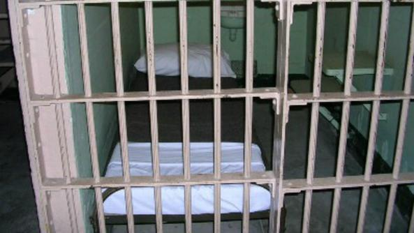 Carceri: cella troppo piccola, sconto pena e risarcimento a detenuto