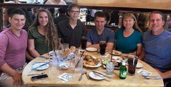 Usa, 16enne uccide i genitori, la sorella e un'amica in New Jersey