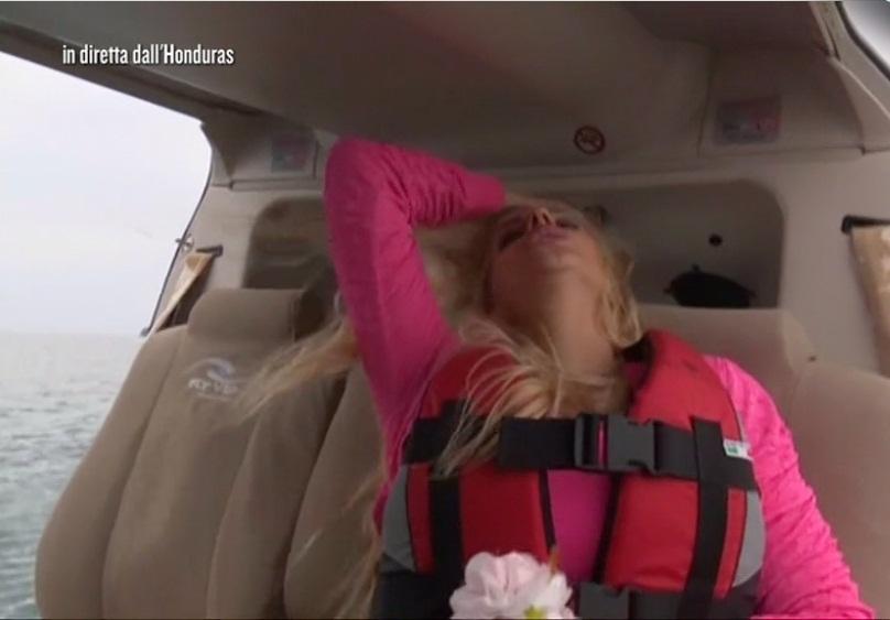 Francesca Cipriani, attacco di panico sull'elicottero: Marcuzzi terrorizzata
