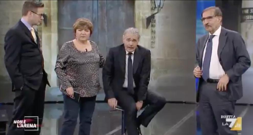 Malore per Massimo Giletti durante la diretta (VIDEO) | La puntata di Non è l'arena chiude in anticipo