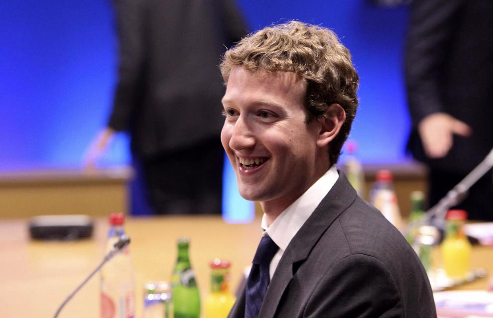 Facebook cambia l'algoritmo, priorità ai post di amici e famiglia