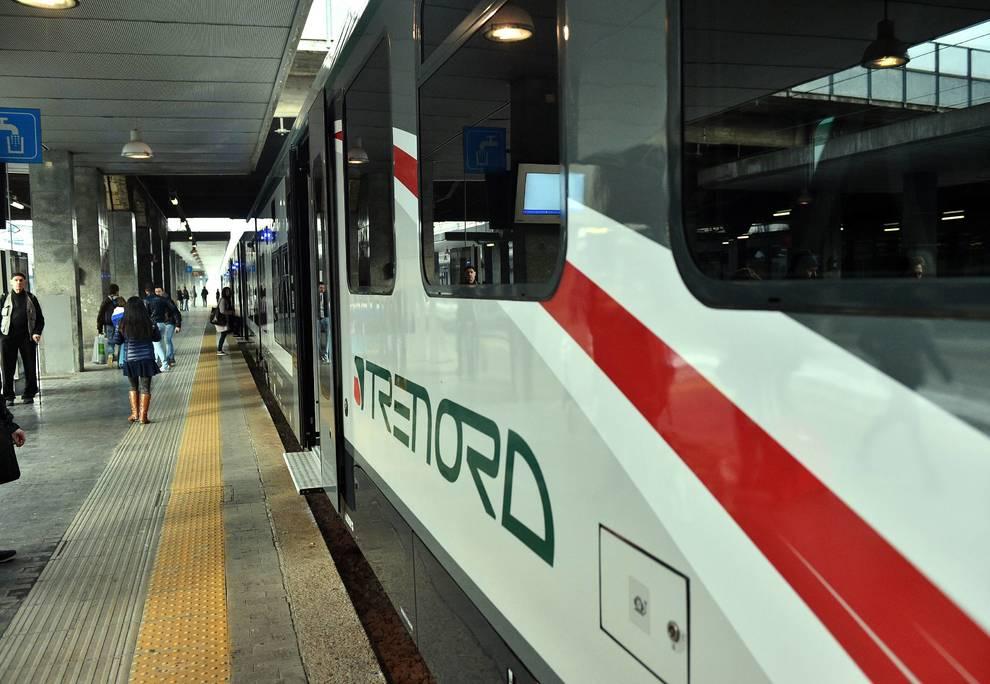 Treno deraglia nel Milanese, vittime e feriti