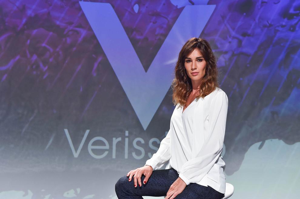 Alessia Marcuzzi cade addosso a Silvia Toffanin a Verissimo: pubblico incredulo