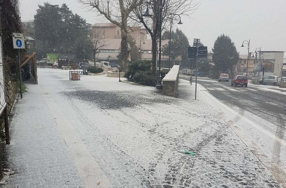 Neve a Roma, primi fiocchi a viale Mazzini e Monte Mario Video