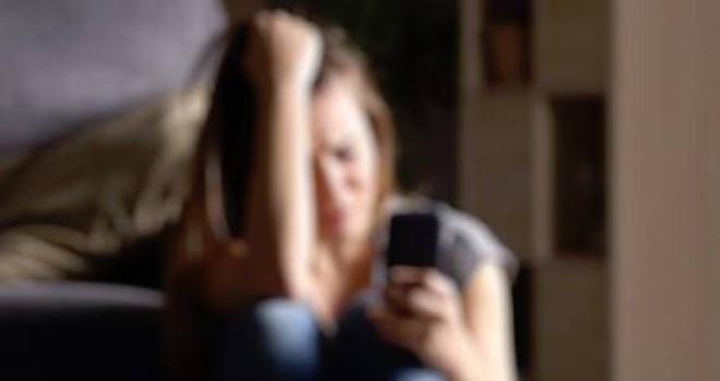 Ravenna, abusa della fidanzatina del figlio. Padre condannato a 9 anni