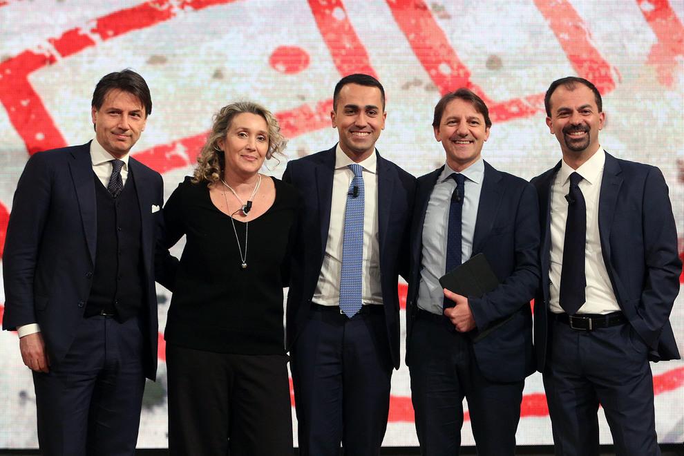 Di Maio annuncia il team, Gentiloni: