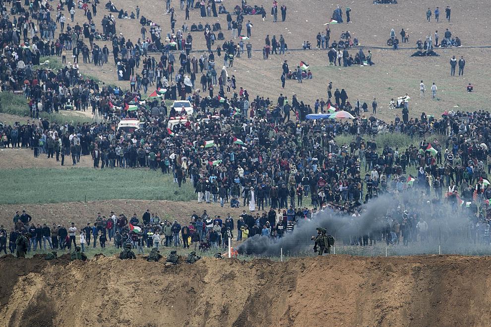 Risultati immagini per Scontri a Gaza immagini