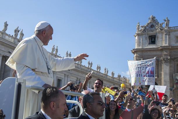Papa: il 13 marzo 5 anni, ultimi e periferie nel cuore