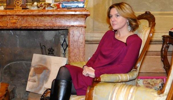 Gaffe dell'ex ministro Lorenzin con il sindaco di Modena