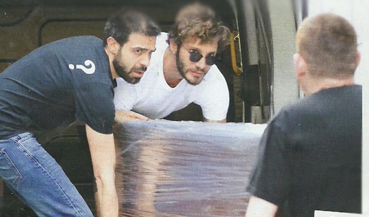 Stefano De Martino diventa vicino di Belen Rodriguez