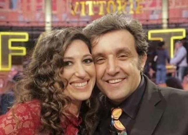 Flavio Insinna si innamora di una concorrente di Affari Tuoi