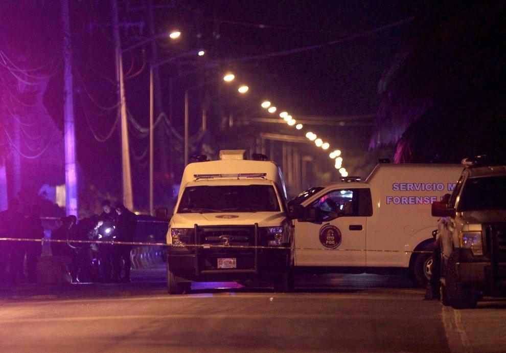 Messico, sparatoria in un ristorante: almeno cinque morti