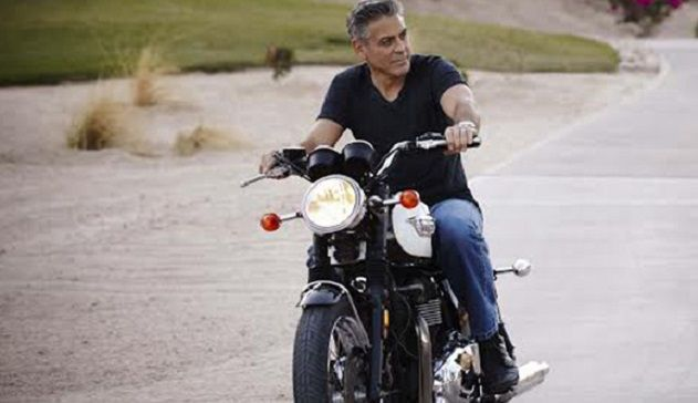 George Clooney, incidente in scooter in Sardegna