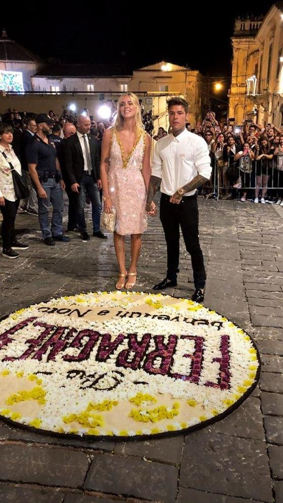 Matrimonio In Diretta Ferragnez : Ferragnez notte di festa prima del matrimonio balli nudi