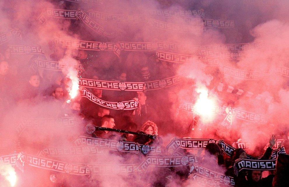 Lazio-Eintracht, scontri tra tifosi e caos in zona Flaminio