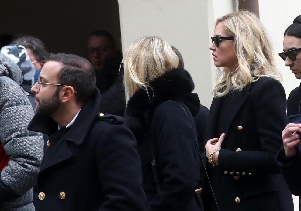 Chiara Ferragni in lacrime al funerale di Alessio Sanzogni