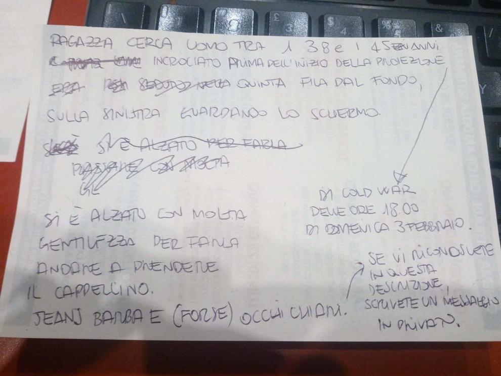 Milano, Cupido colpisce al cinema: spettatrice cerca l'uomo della quinta fila