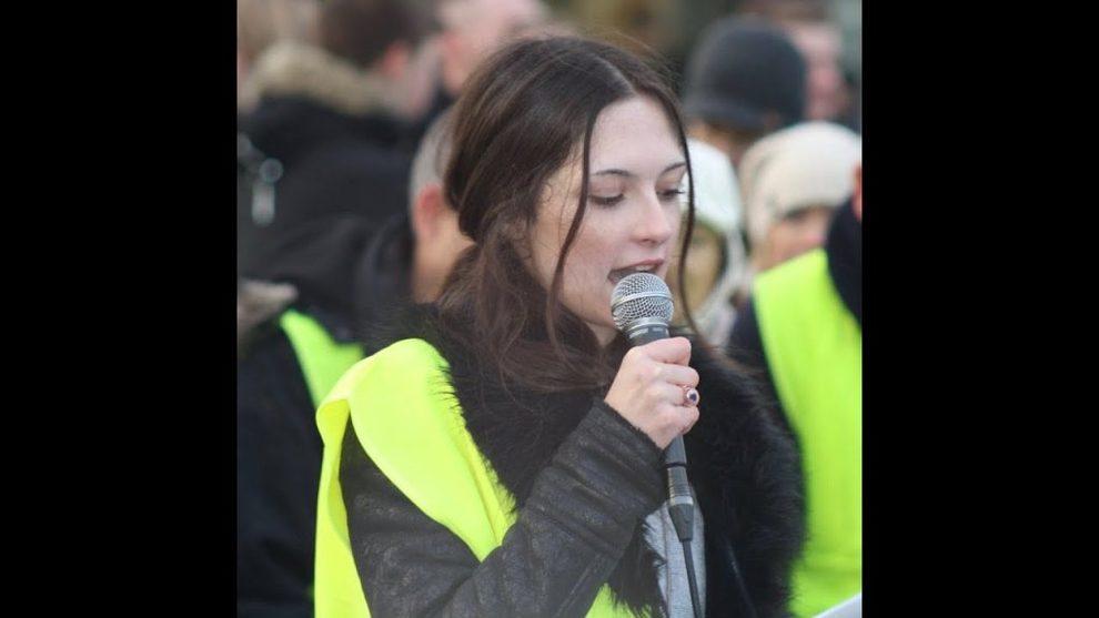 Dalla Svezia arriva Izabella, l`anti-Greta Thunberg che si batte contro immigrazione e