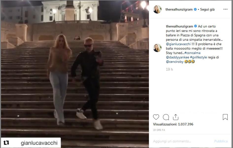 Michelle Hunziker, il balletto con Gianluca Vacchi in pieno centro diventa virale