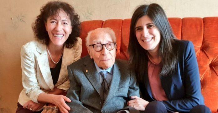 Salvatore Cavallo festeggia i 110 anni: è l'uomo più anziano d'Italia.